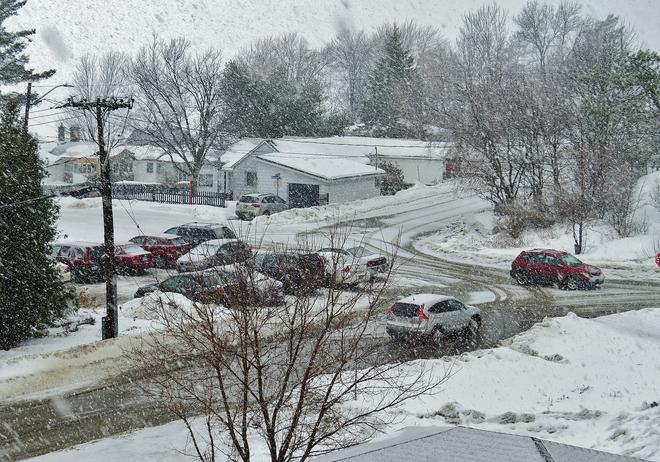 Rain to snow to 'splash zones'! North Bay, Ontario Canada