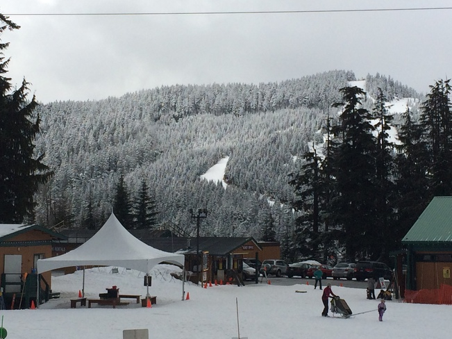 Snowsheing and skiing West Vancouver, British Columbia Canada