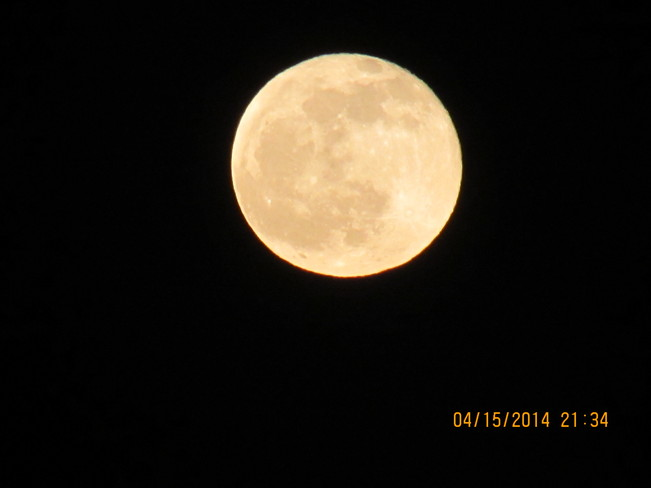 Full Moon Chelmsford, Ontario Canada