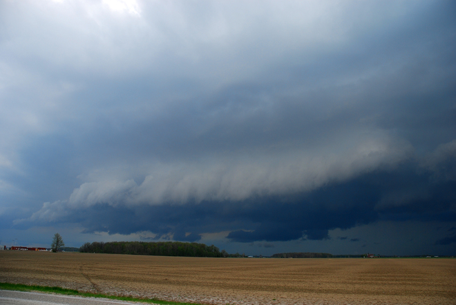 "Severe Thunderstorm's ""Gust Front"" Lambton County"