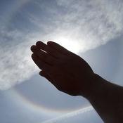 Arc-en-ciel complet autour du Soleil!!!!