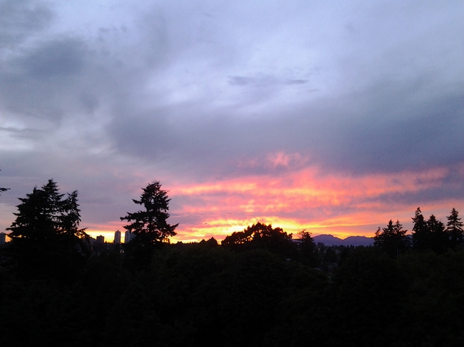 Sunset - New Westminster, BC June 11, 2014 9 :20 pm New Westminster, Bc
