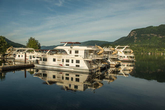 Gorgeous morning Waterway Houseboat Vacations, Mervyn Road, Sicamous, BC