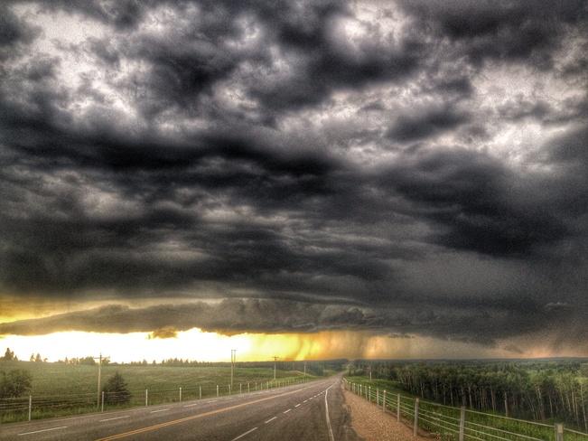 storm 3/7/14 Lacombe County, Alberta Canada