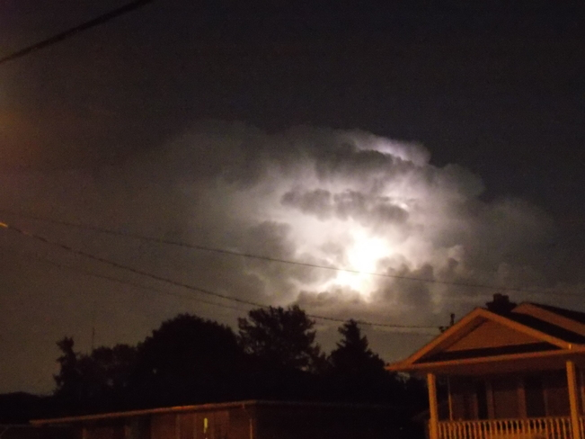 Some crazy weather happening in Merrtion tonight!!