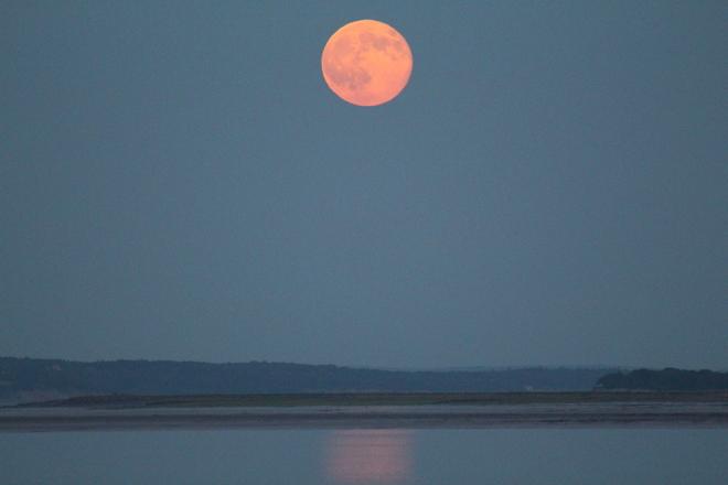 Super Moon Kingsport, NS