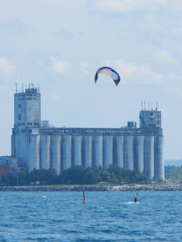 Parasailing in Collingwood Collingwood, ON
