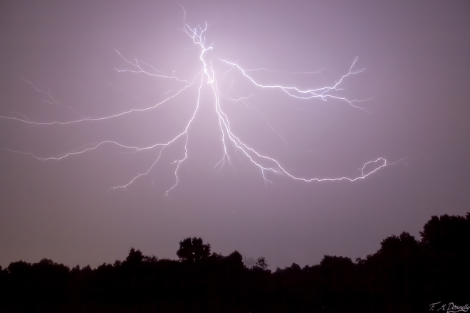 Awesome Lightning!!!! Port Elmsley, ON