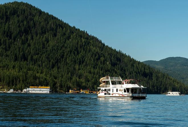 Sicamous, Houseboat Capital of Canada Sicamous, BC