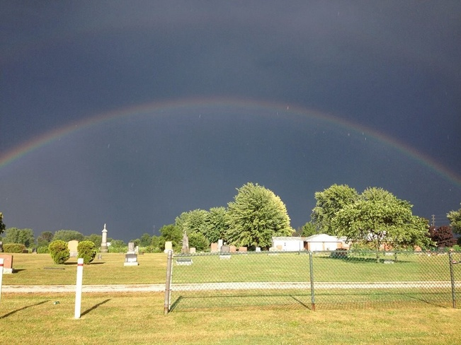 Beautiful Rainbow Sombra, Ontario Canada