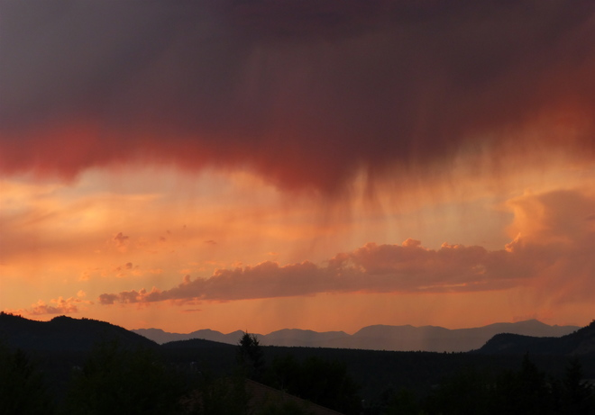 VIRGA SUNSET OVER PURCELL MOUNTAINS