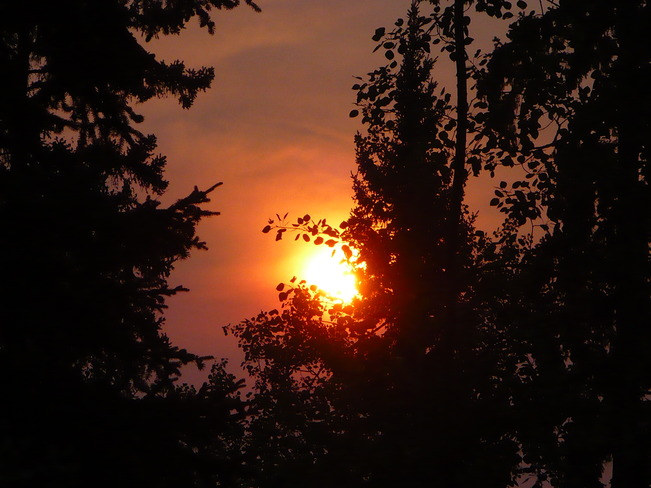 Morning sun,,red skies in the morning ????? Quesnel, B. C., Canada