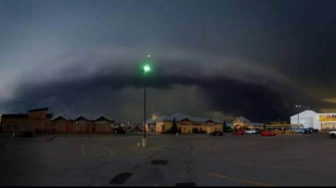 scary clouds Airdrie, Alberta Canada