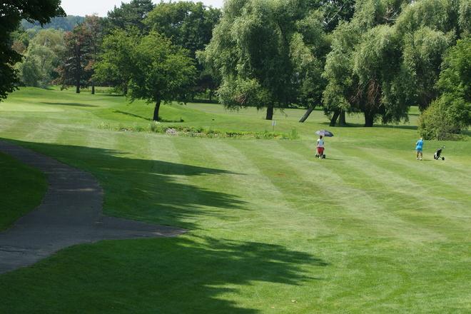 Playing the second hole @ St. Davids Golf Club St. Davids, Niagara Regional Municipality, ON