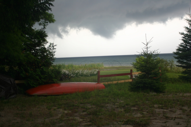 tornado/waterspout Wymbolwood Beach, ON