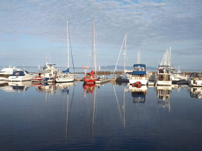 REFLECTIONS OF Thunder Bay, ON