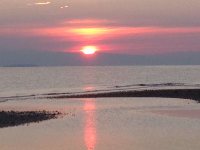 SUNRISE Qualicum Beach, British Columbia Canada