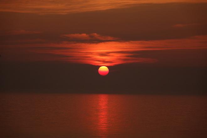 Hazy sunset at Sauble Beach Sauble Beach, ON