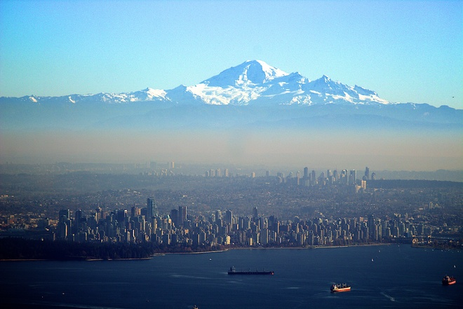 Vancouver City And The Mount Baker Volcano Bowen Island Bc
