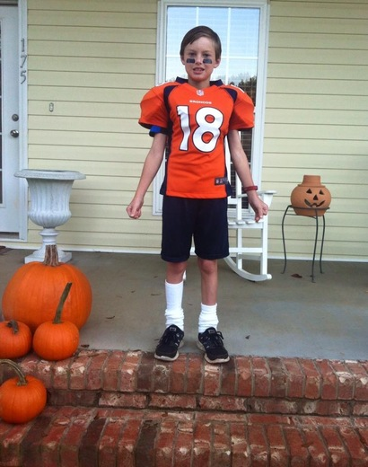 "Brooks aka Skinny Legs Peyton Manning ""I have cable"""