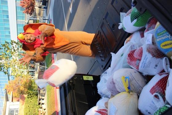 CA DMV Donates Turkeys to Help Feed the Hungry