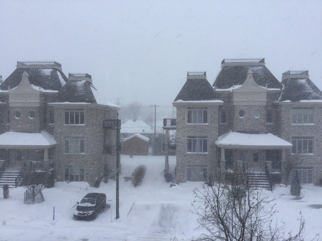 Grosse Tempête de neige au Québec aujourd'hui ! 1085