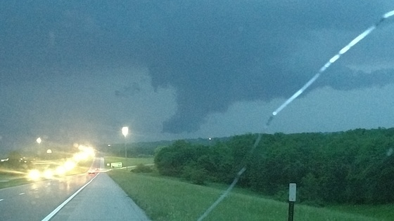 Lowering over Desoto KS around 8:30pm