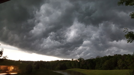 Storm rolling in 5-20-17
