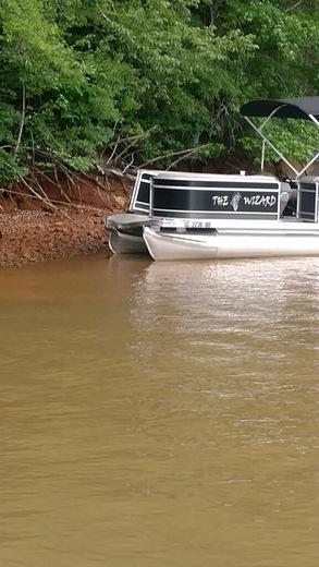 SC DNR Boat crashes into Pontoon boat on Lake Keowee