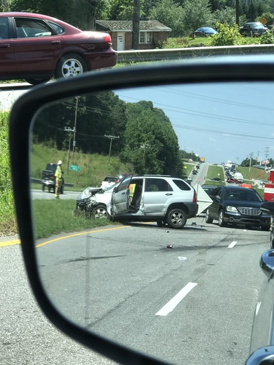 Wreck on 123 between Clemson and Seneca