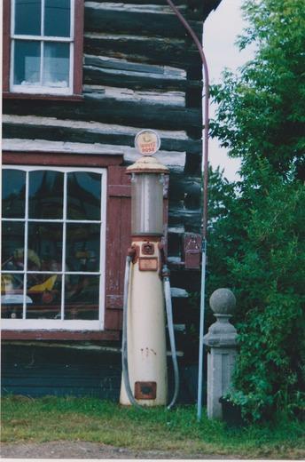 1930,s Gas pump