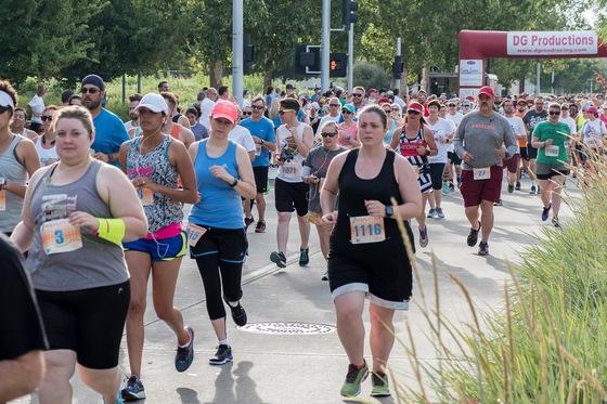 Saturday Freedom Oklahoma Marathon kicked off at Myriad Gardens