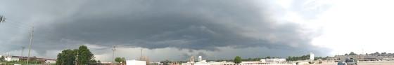 Server thunderstorm Greenville in front of flea market