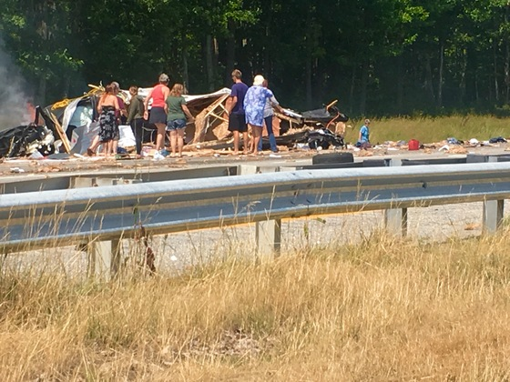Passersby help Saco/295 Crash Victim