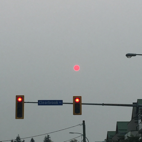 Extra red light in the sky Abbotsford, British Columbia, CA