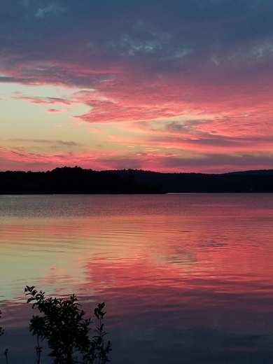 Blue mountain lake in yell county. Evening sunset