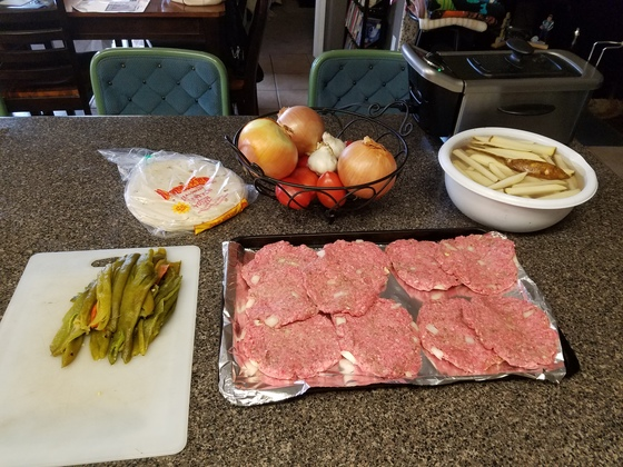 Ralph and Cindy's Famus Mexican Burger