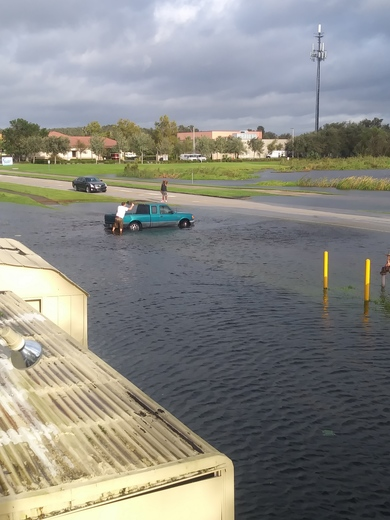 Man stuck on a ditch in Kissimmee
