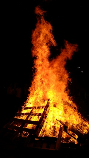 Bell Vernon bonfire