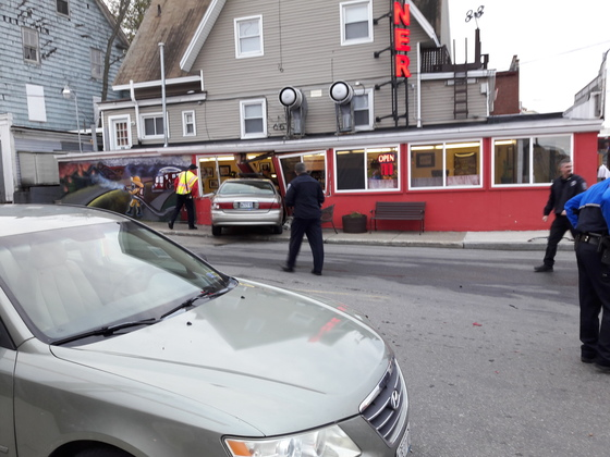 Car drives into third alarm diner, Sanford me