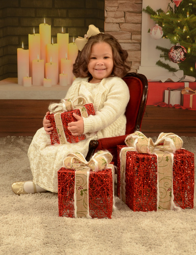 little miss Shelbi's Christmas pictures