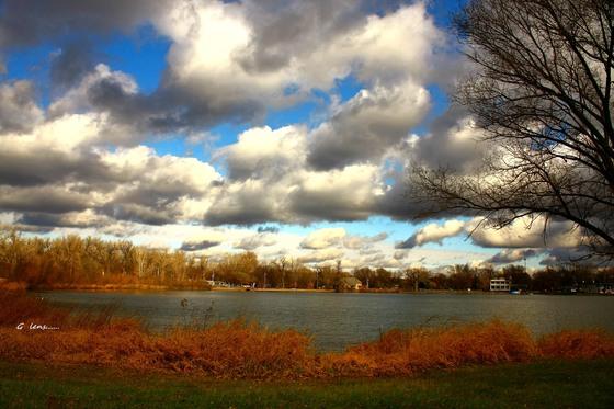 afternoon clouds at lake manawa