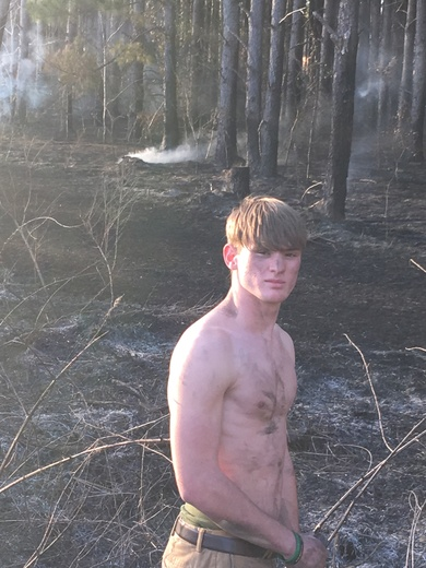 Teen puts out fire and saves house