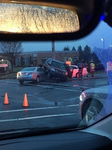 Wreck at 290 in Duncan by Bojangles. Sunday at 7:15 pm.