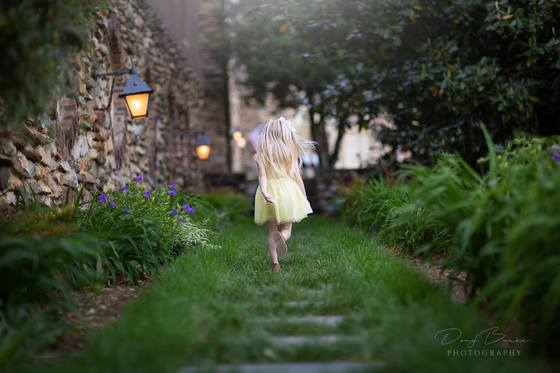 Doug Burke Photography Takes Photo of Child Running at Graylyn Estates