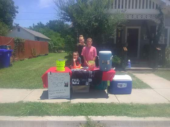 Lemonade stand to raise money for papa headstone .