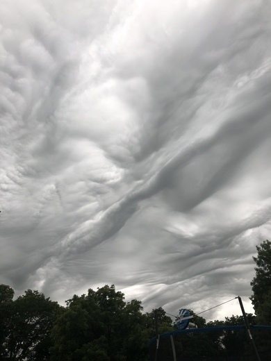 This is oskaloosa area 2 hours ago! Amazing view of the sky!