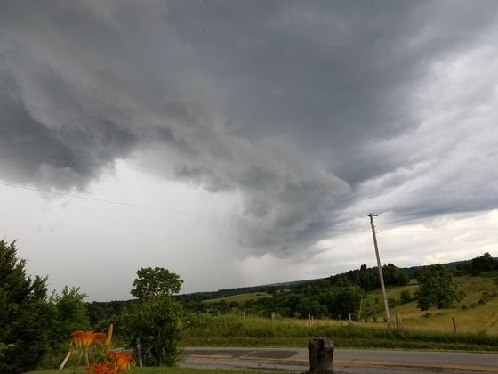 This was taken at 5:11 this afternoon from the Corinth area here in Kentucky Marlene