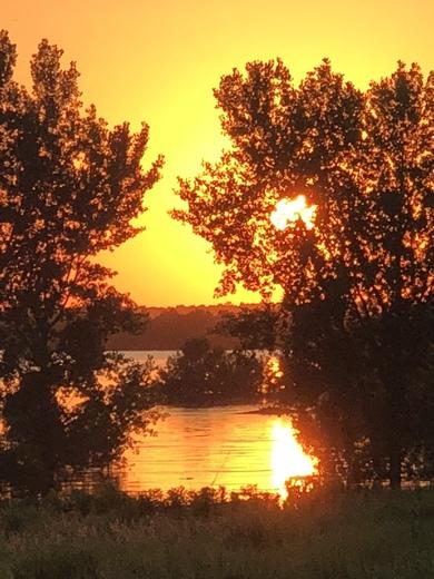 Beautiful sunset over Saylorville Lake.
