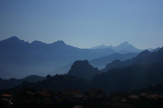 Infinity of peaks